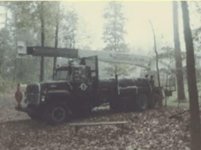 early tree service crane truck